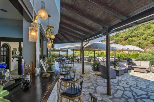 02mega-ammos-hotel-restaurant