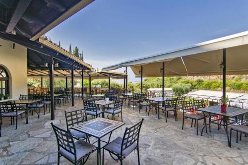 06mega-ammos-hotel-restaurant