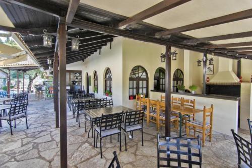 07mega-ammos-hotel-restaurant