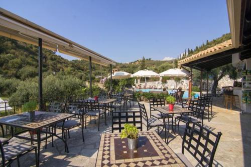 09mega-ammos-hotel-restaurant