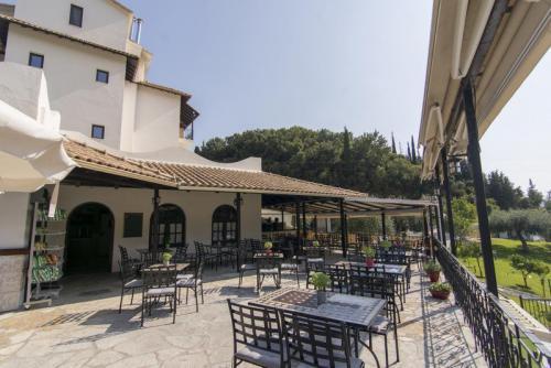 10mega-ammos-hotel-restaurant
