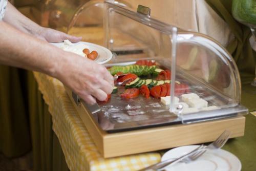 18mega-ammos-hotel-restaurant
