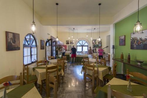 19mega-ammos-hotel-restaurant