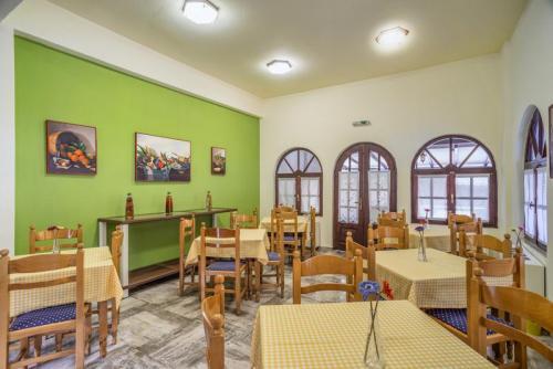 22mega-ammos-hotel-restaurant