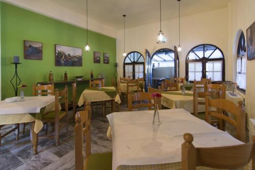 26mega-ammos-hotel-restaurant