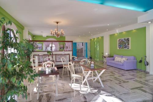 30mega-ammos-hotel-restaurant